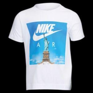 nike air t shirt statue of liberty
